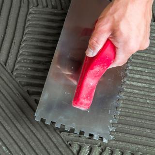 Gleterica nerđajuća nazubljena PVC ručka 8x8mm